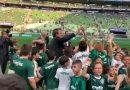 Protocolo da Conmebol veta que Bolsonaro entregue taça na final da Libertadores